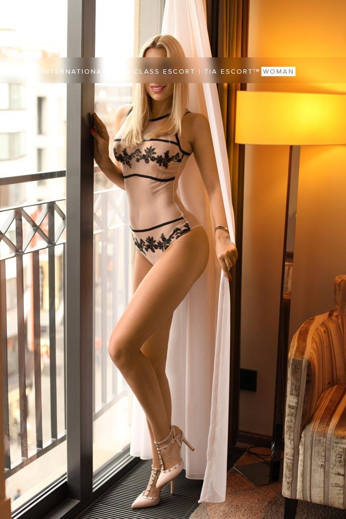 Schlanke vollbusige Blondine Frankfurt - Natalia 13